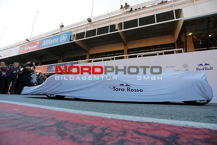 26.02.2017, Circuit de Catalunya, Barcelona, ESP, im Bild <br /> Vorstellung des neuen Boliden von Toro Rosso<br /> Foto &copy; nordphoto / Bratic