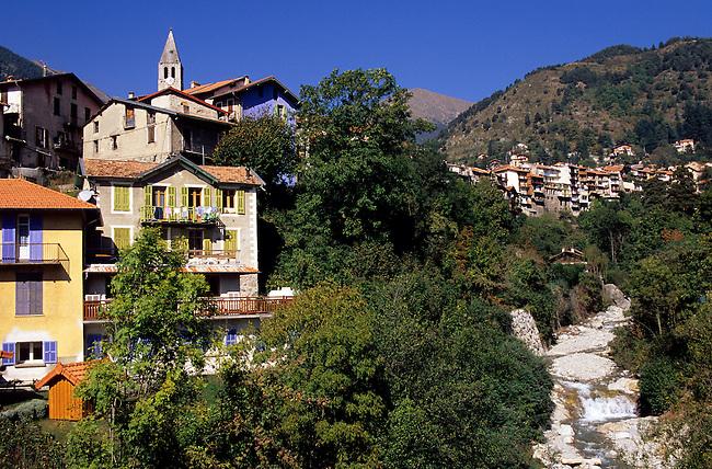 Alpes-Maritimes. Village de Saint-Martin-Vesubie. *** Saint-Martin-Vesubie village, Alpes-Maritimes.