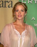 """©2004 KATHY HUTCHINS /HUTCHINS PHOTO.""""A FAMILY AFFAIR: WOMEN IN FILM CELEBRATES THE PALTROW FAMILY""""  .2004 CRYSTAL & LUCY AWARDS.CENTURY CITY, CA.JUNE 18, 2004..CHRISTINA APPLEGATE"""