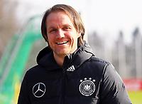 Assistenztrainer Thomas Schneider (Deutschland Germany) - 25.03.2018: Training der Deutschen Nationalmannschaft, Olympiastadion Berlin