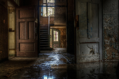 This is a very early visit to Beelitz, its the day I found the OP theater, and it still smelled like one as well.