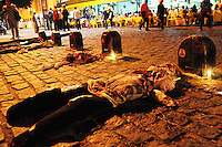 RIO DE JANEIRO RJ,12.09.2013: PROTESTO LIBERDADE PARA OS PRESOS POLITICOS- Manifestantes se concentraram no Tribunal de Justiça do Rio de Janeiro as 18 horas, para protestar contra a prisão de quatro manifestantes. O grupo saiu em passeata pela Avenida Rio Branco em direção a Câmara Municipal Na Cinelândia. A policia militar acompanhou o protesto que seguiu pacífico. SANDROVOX/BRAZILPHOTOPRESS
