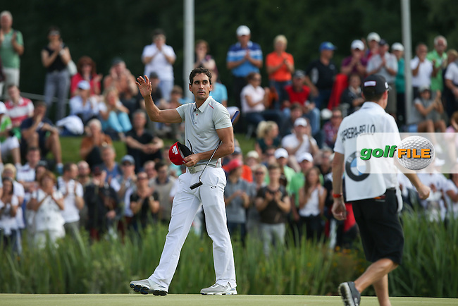 Thunderous applause for the ever-popular  Rafa Cabrera-Bello (ESP) as his game collapses with a 74 during Round Three of the 2015 BMW International Open at Golfclub Munchen Eichenried, Eichenried, Munich, Germany. 27/06/2015. Picture David Lloyd | www.golffile.ie