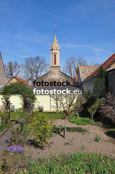 Blick von der Friedrich-Ebert-Str. auf die Ev. Ludwigskirche, Kirchstr. 10, gebaut 1851-53<br /> neuromanischer Kalksteinquadersaal