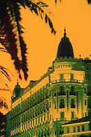 """Europe/France/Provence-Alpes-Côte d'Azur/06/Alpes-Maritimes/Cannes: La croisette et l'hotel """"Carlton Intercontinental"""""""