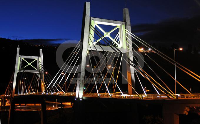 Puente  Juan Leon Mera en  Ambato , Ecuador.