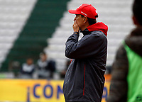 MANIZALES - COLOMBIA, 07-03-2020: Alexandre Guimaraes técnico del América gesticula durante partido por la fecha 8 de la Liga BetPlay DIMAYOR I 2020 entre Once Caldas y América de Cali jugado en el estadio Palogrande de la ciudad de Manizalez. / Alexandre Guimaraes coach of America gestures during match for the date 8 as part of BetPlay DIMAYOR League I 2020 between Once Caldas and America de Cali played at the Palogrande stadium in Manizales city. Photo: VizzorImage / Santiago Osorio / Cont