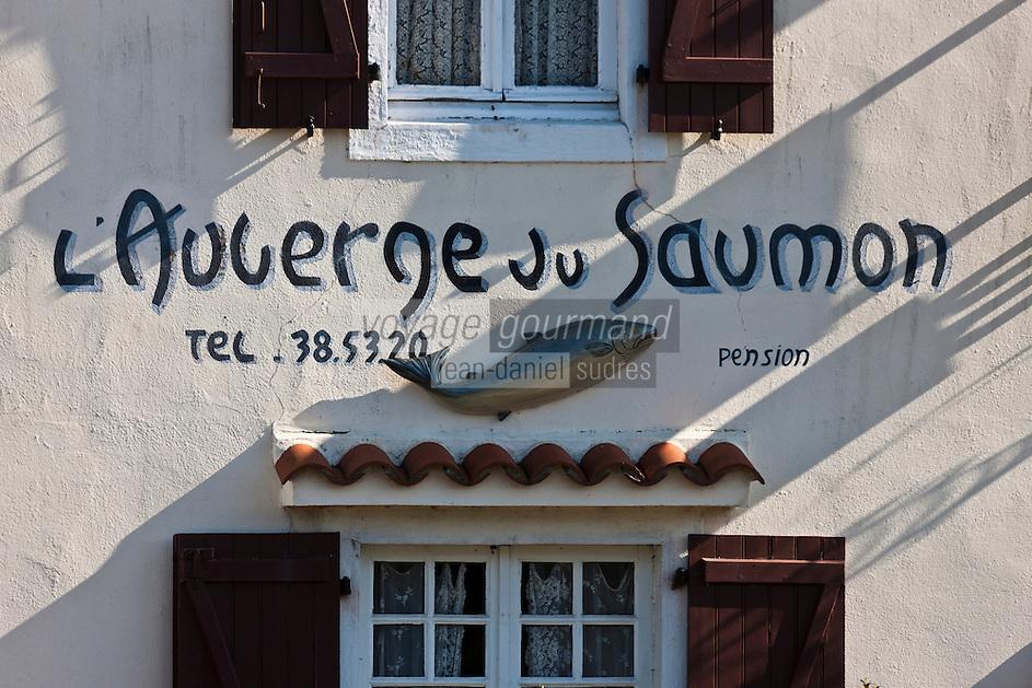 Europe/France/Aquitaine/64/Pyrénées-Atlantiques/Béarn/Sauveterre-de-Béarn: Enseigne de l' Auberge du Saumon