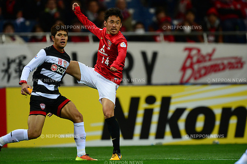 Mongkol Namnuad (Muangthong), Tadaaki Hirakawa (Reds),.MARCH 12, 2013 - Football / Soccer :.AFC Champions League Group F match between Urawa Red Diamonds 4-1 Muangthong United at Saitama Stadium 2002 in Saitama, Japan. (Photo by AFLO)