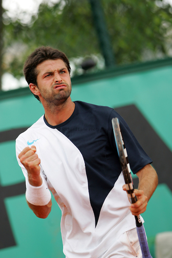 Photo: Iconsport/Richard Lane Photography..French Open, Roland Garros 2007. 31/05/2007..Olivier Patience celebrates a point.