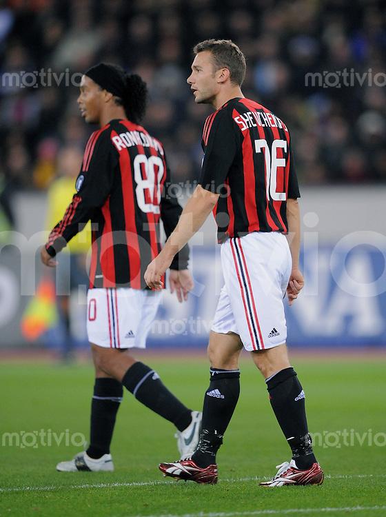 Fussball  UEFA Cup  1. Runde   2008/2009   18.09.2008 AC Mailand - FC Zuerich AC Mailand Alt-Stars: Andriy Shevchenko (re) und Ronaldinho