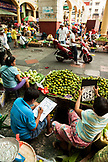 PHILIPPINES, Manila, Qulapo District, produce for sale at the Quina Market