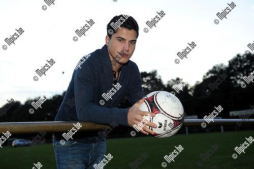 2012-10-09 / Voetbal / seizoen 2012-2013 / Kasterlee / Eveli Fetthulah..Foto: Mpics.be