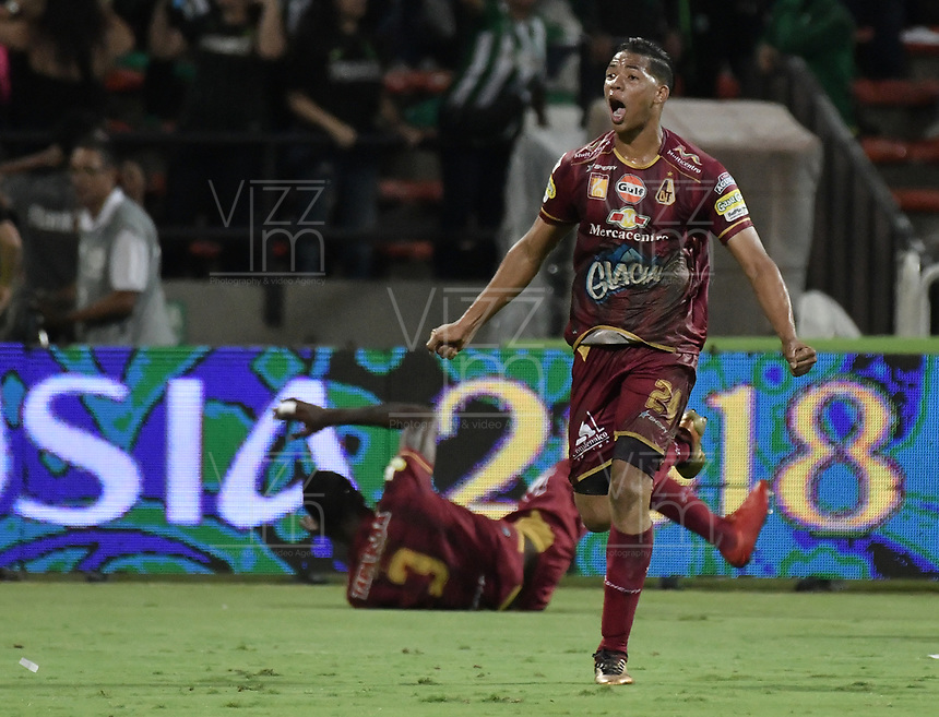 MEDELLÍN -COLOMBIA - 09-06-2018: Carlos Robles de Deportes Tolima celebra el segundo gol de su equipo al Atlético Nacional durante partido de vuelta por la final de la Liga Águila I 2018 jugado en el estadio Atanasio Girardot de la ciudad de Medellín. / Carlos Robles player of Deportes Tolima celebrates the second goal of his team to Atletico Nacional during second leg match for the final of the Aguila League I 2018 at Atanasio Girardot stadium in Medellin city. Photo: VizzorImage / Gabriel Aponte / Staff