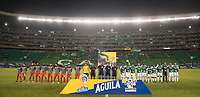 PALMIRA - COLOMBIA, 13-11-2019: Jugadores del Cali y Santa Fe posan para una foto previo al partido entre Deportivo Cali e Independiente Santa Fe por la fecha 2, cuadrangulares semifinales, de la Liga Águila II 2019 jugado en el estadio Deportivo Cali de la ciudad de Palmira. / Players of Cali and  Santa Fe pose to a photo prior match for the date 2, quadrangular semifinals, as part Aguila League II 2019 between Deportivo Cali and Independiente Santa Fe played at Deportivo Cali stadium in Palmira city. Photo: VizzorImage / Gabriel Aponte / Staff