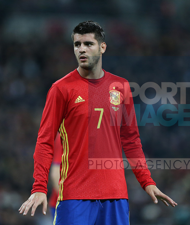 Spain's Alvaro Morata in action during the friendly match at Wembley Stadium, London. Picture date November 15th, 2016 Pic David Klein/Sportimage