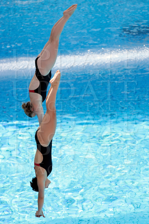Germany's Katja Dieckow and Nora Subschinski compete in the women 3-meter synchro springboard diving finals at the Swimming World Championships in Rome, 24 July 2009. .UPDATE IMAGES PRESS/Riccardo De Luca