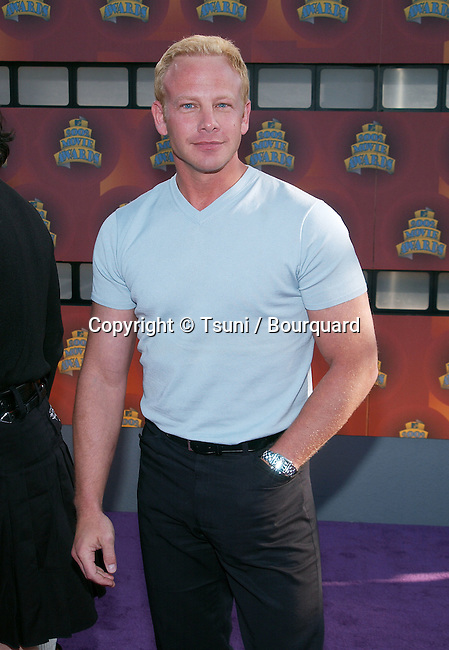 arrival of the 2002 MTV movie Awards at the Shrine Auditorium in Los Angeles. June 1, 2002.           -            ZieringIan01A.jpg