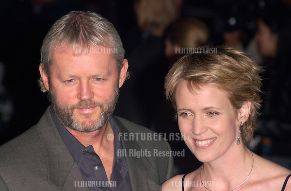 Actor DAVID MORSE & wife SUSAN at the Los Angeles premiere of his new movie Proof of Life..04DEC2000. © Paul Smith / Featureflash