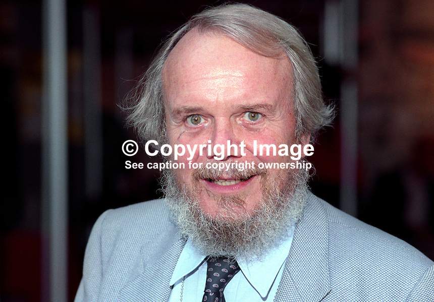 Brian Redhead, broadcaster, journalist, television, radio, newspapers, UK, 199210003BR1.<br />