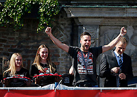 Duesseldorf, Germany, 2. Bundesliga, promotion to 1. Bundesliga of  Fortuna Duesseldorf, team celebrates at Rathausmarkt of Duesseldorf, 14.05.2018<br /> Niko GIESSELMANN (F95) 2.v.-<br />