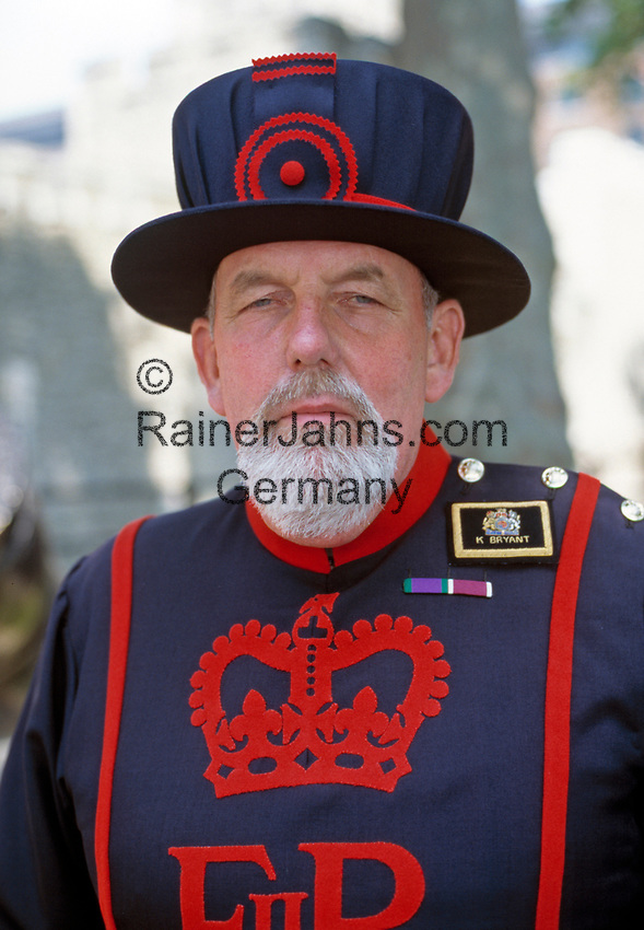 England, London: Yeoman Warder (Beefeater) | United Kingdom, London: Yeoman Warder (Beefeater)