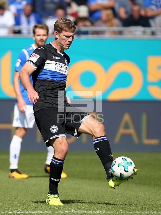 17.09.2017, Jonathan-Heimes-stadiumBoellenfallgoal, Darmstadt, GER, 2.FBL, SV Darmstadt 98 vs Arminia Bielefeld<br /> ,im <br />Fabian Klos (Bielefeld) *** Local Caption *** &copy; pixathlon<br /> Contact: +49-40-22 63 02 60 , info@pixathlon.de