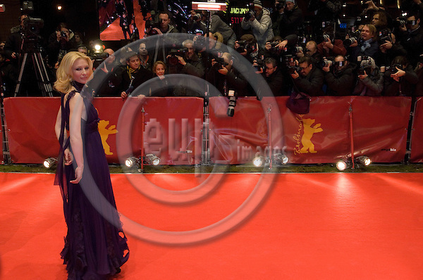 "BERLIN - GERMANY 12. FEBRUARY 2007 --  Berlin Filmfestival - Berlinale 2007 - Cate Blanchett on the red carpet in Berlin with the movie The Good German -- PHOTO: GORM K. GAARE / EUP & IMAGES..This image is delivered according to terms set out in ""Terms - Prices & Terms"". (Please see www.eup-images.com for more details)"