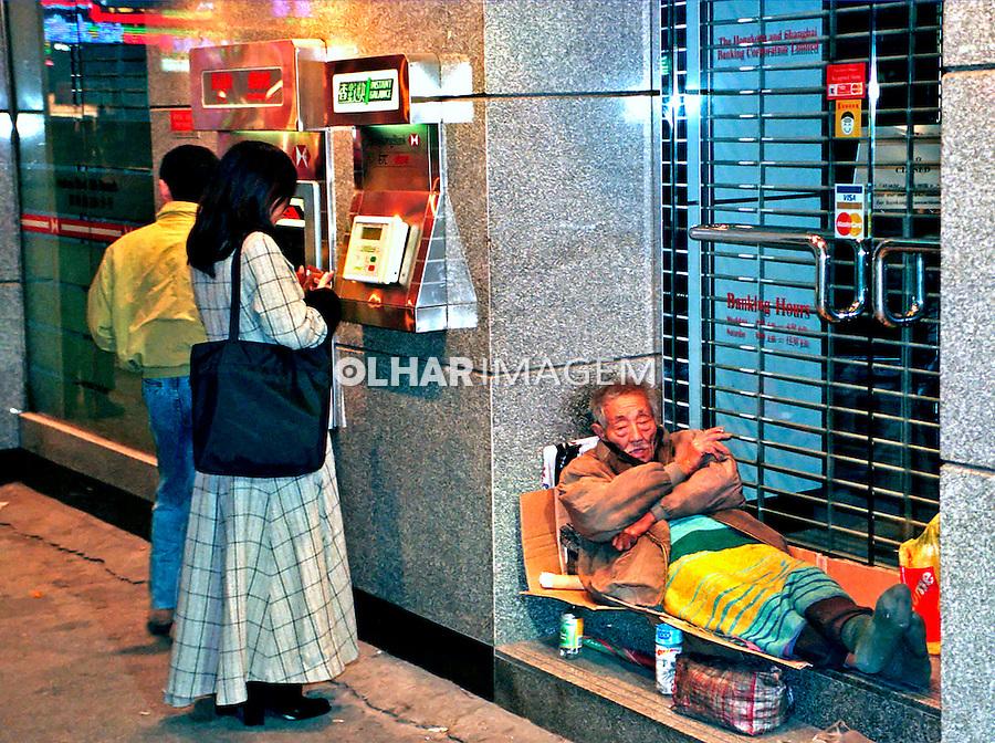 Contraste social em Hong Kong. China. 1996. Foto de Flávio Bacellar.