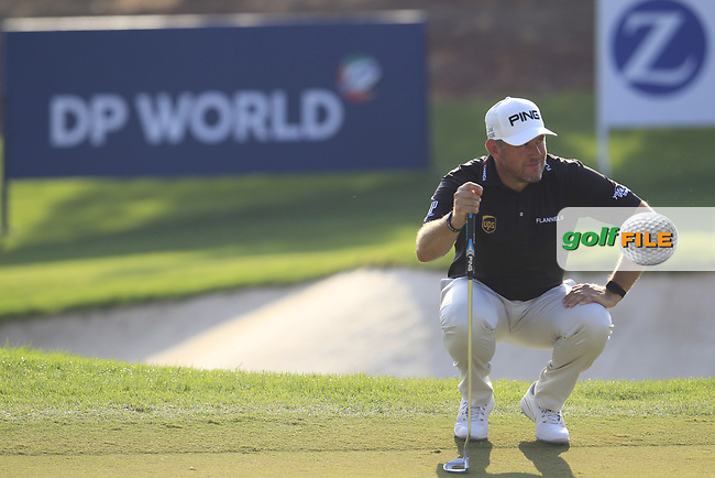 Lee Westwood (ENG) on the 15th green during the final round of the DP World Tour Championship, Jumeirah Golf Estates, Dubai, United Arab Emirates. 18/11/2018<br /> Picture: Golffile | Fran Caffrey<br /> <br /> <br /> All photo usage must carry mandatory copyright credit (&copy; Golffile | Fran Caffrey)