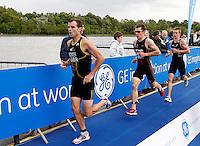 Photo: Richard Lane/Richard Lane Photography. GE Strathclyde Park Triathlon. 22/05/2011. Elite Men race runners.