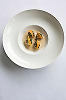 Europe/France/Bretagne/22/Côtes d'Armor/Sables-d'Or-les-Pins/ Fréhel:  St Jacques, Butternut, Pack - Choï, recette de Maximin Hellio Restaurant: La Voile d'Or