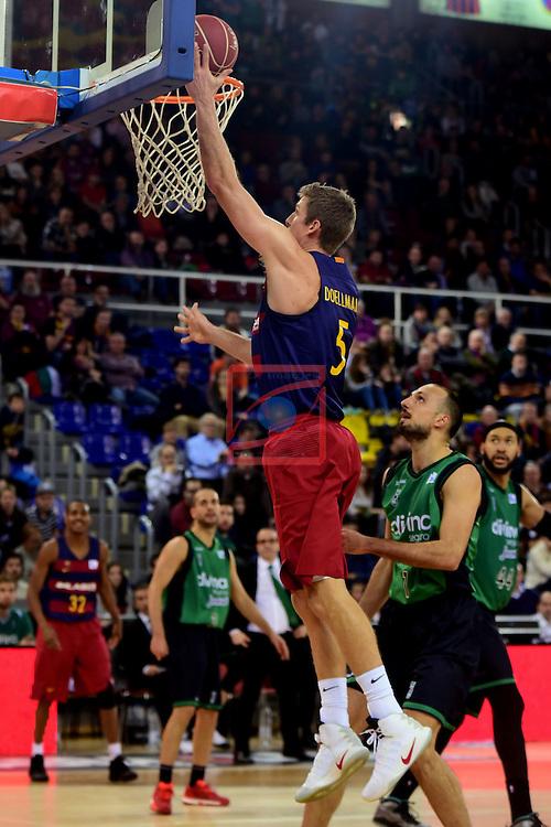 League ACB-ENDESA 2016/2017 - Game: 13.<br /> FC Barcelona Lassa vs Divina seguros Joventut: 79-77.<br /> Justin Doellman vs Bogdanovic.