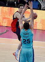 Caja Laboral Baskonia's Thomas Heurtel (f) and FC Barcelona Regal's Erazem Lorbek during Spanish Basketball King's Cup semifinal match.February 07,2013. (ALTERPHOTOS/Acero) /NortePhoto