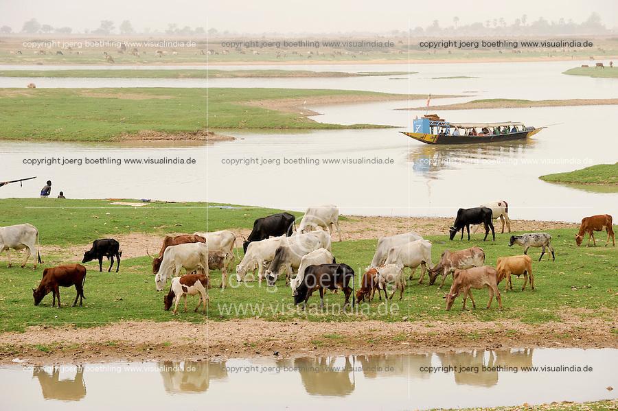 "Westafrika Mali Fluss Niger bei Mopti - Wasser  | .Africa Mali river Niger at Mopti .| [ copyright (c) Joerg Boethling / agenda , Veroeffentlichung nur gegen Honorar und Belegexemplar an / publication only with royalties and copy to:  agenda PG   Rothestr. 66   Germany D-22765 Hamburg   ph. ++49 40 391 907 14   e-mail: boethling@agenda-fototext.de   www.agenda-fototext.de   Bank: Hamburger Sparkasse  BLZ 200 505 50  Kto. 1281 120 178   IBAN: DE96 2005 0550 1281 1201 78   BIC: ""HASPDEHH"" ,  WEITERE MOTIVE ZU DIESEM THEMA SIND VORHANDEN!! MORE PICTURES ON THIS SUBJECT AVAILABLE!! ] [#0,26,121#]"