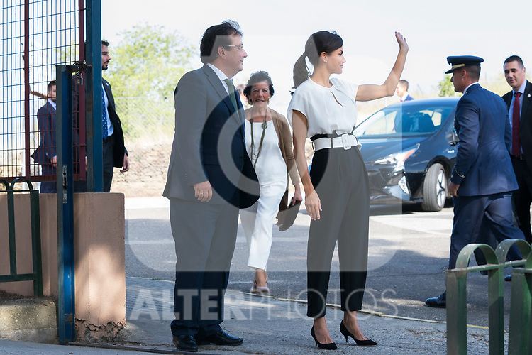 President of Extremadura Guillermo Fernandez Vara (l) and Queen Letizia of Spain during the opening of School Year in Torrejoncillo (Caceres). September 17, 2019. (ALTERPHOTOS/Francis Gonzalez)