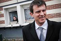 Manuel Valls, ministre de l'Intérieur visite la ZSP (zone de sécurité prioritaire) d'Amiens Nord, vendredi 5 avril 2013 - 2012©Jean-Claude Coutausse / french-politics pour Le Monde
