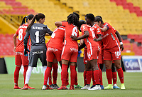 BOGOTÁ-COLOMBIA, 08-09-2019: Jugadoras de América de Cali, durante partido entre Millonarios y el América de Cali de ida de las semifinales por la Liga Águila Femenina 2019 jugado en el estadio Nemesio Camacho El Campín de la ciudad de Bogotá. / Players of America de Cali during a match between Millonarios and America de Cali of the semifinals for the 2019 Women's Aguila League played at the Nemesio Camacho El Campin Stadium in Bogota city, Photo: VizzorImage / Luis Ramírez / Staff.