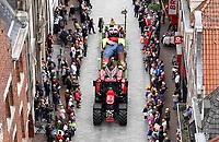 Nederland Alkmaar - 8 oktober 2018. Traditie tijdens Alkmaar Ontzet. De Grote Middagoptocht. Wagen met Klein Duimpje.  Foto Berlinda van Dam / Hollandse Hoogte