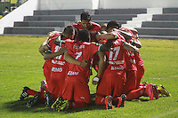 TUNJA -COLOMBIA, 27-09-2015: Jugadores de Patriotas FC celebran un gol anotado a Independiente Medellin durante partido por la fecha 14 de la Liga Águila II 2015 jugado en el estadio Metropolitano de Techo de la ciudad de Bogotá./ Players of Patriotas FC celebrate a goal against Independiente Medellin during match for the 14th date of the Aguila League II 2015 played at Metropolitan de Techo stadium in Bogotá city. Photo: VizzorImage / Cesar Melgarejo  / Cont