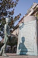Europe/Espagne/Guipuscoa/Pays Basque/Saint-Sébastien: Sculpture - Marche de Saint-Sébastien prés du Marché de La Bretxa