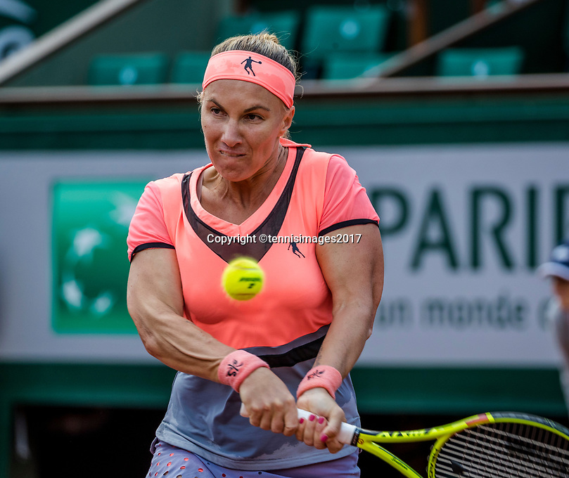 Paris, France, 4 June, 2017, Tennis, French Open, Roland Garros, Svetlana Kuznetsova (RUS)<br /> Photo: Henk Koster/tennisimages.com