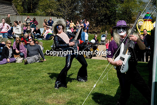 May Day Fair Glam Rock Band The Look at the Perch and Pike pub South Stoke Berkshire UK 2006