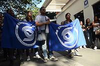 SAO PAULO, 08 DE AGOSTO DE 2012 - PROTESTO TELEMARKETING - Trabalhadores do setor de telemarketing protestam contra o não pagamento de variaveis, na frente da empresa Dedic, na Avenida Paulista, na tarde desta quarta feira. FOTO: ALEXANDRE MOREIRA - BRAZIL PHOTO PRESS
