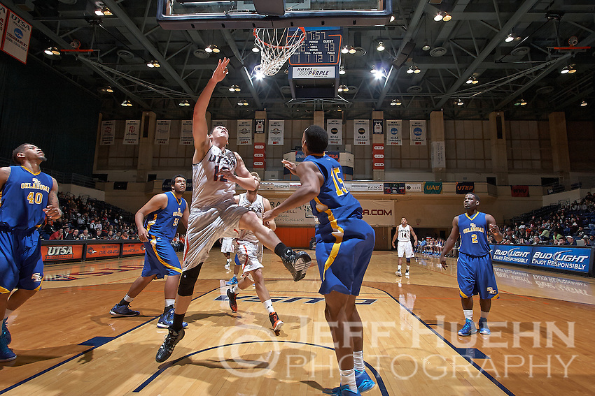 SAN ANTONIO, TX - NOVEMBER 6, 2014: The Southeastern Oklahoma State University Savage Storm fall to the University of Texas at San Antonio Roadrunners 101-80 at the UTSA Convocation Center. (Photo by Jeff Huehn)