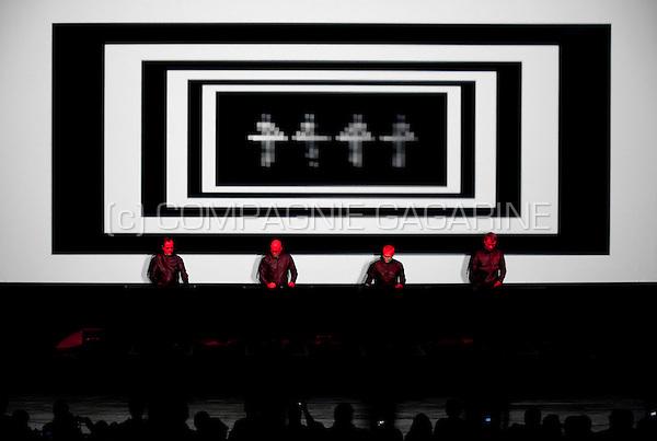 Kraftwerk's 3D concert in Alte Kongreshalle, München (Germany, 12/10/2011)