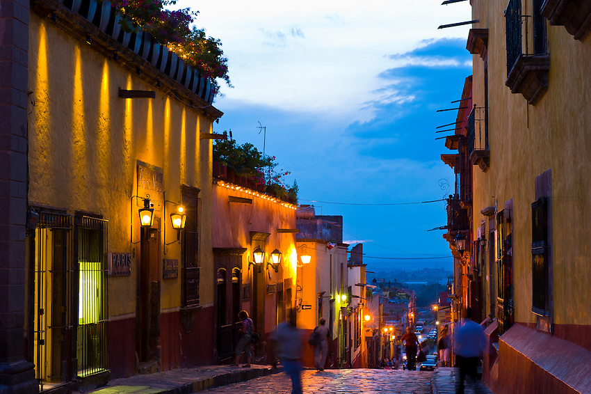 Street scene off  the main square (Plaza Principal) at twilight, San Miguel de Allende, Mexico