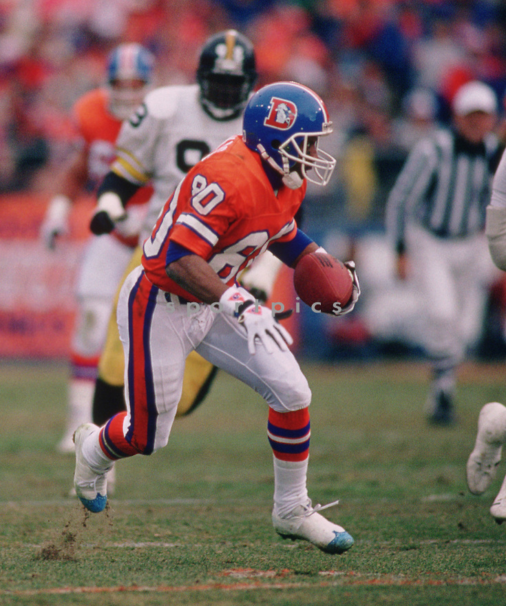 Denver Broncos Mark Jackson (80) during a game from his 1992 season with the Denver Broncos. Mark Jackson played for 10 years with 3 different teams.<br /> (SportPics)