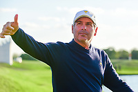 Freddie Couples gives a thumbs up to a boisterous gallery following round 2 Four-Ball of the 2017 President's Cup, Liberty National Golf Club, Jersey City, New Jersey, USA. 9/29/2017.<br /> Picture: Golffile | Ken Murray<br /> <br /> All photo usage must carry mandatory copyright credit (&copy; Golffile | Ken Murray)