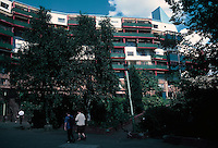 "Ralph Erskine: Byker Redevelopment (""The Wall"") .  Photo '90."